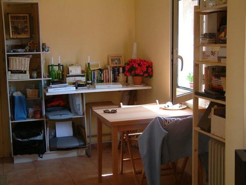 5.kitchen-work area